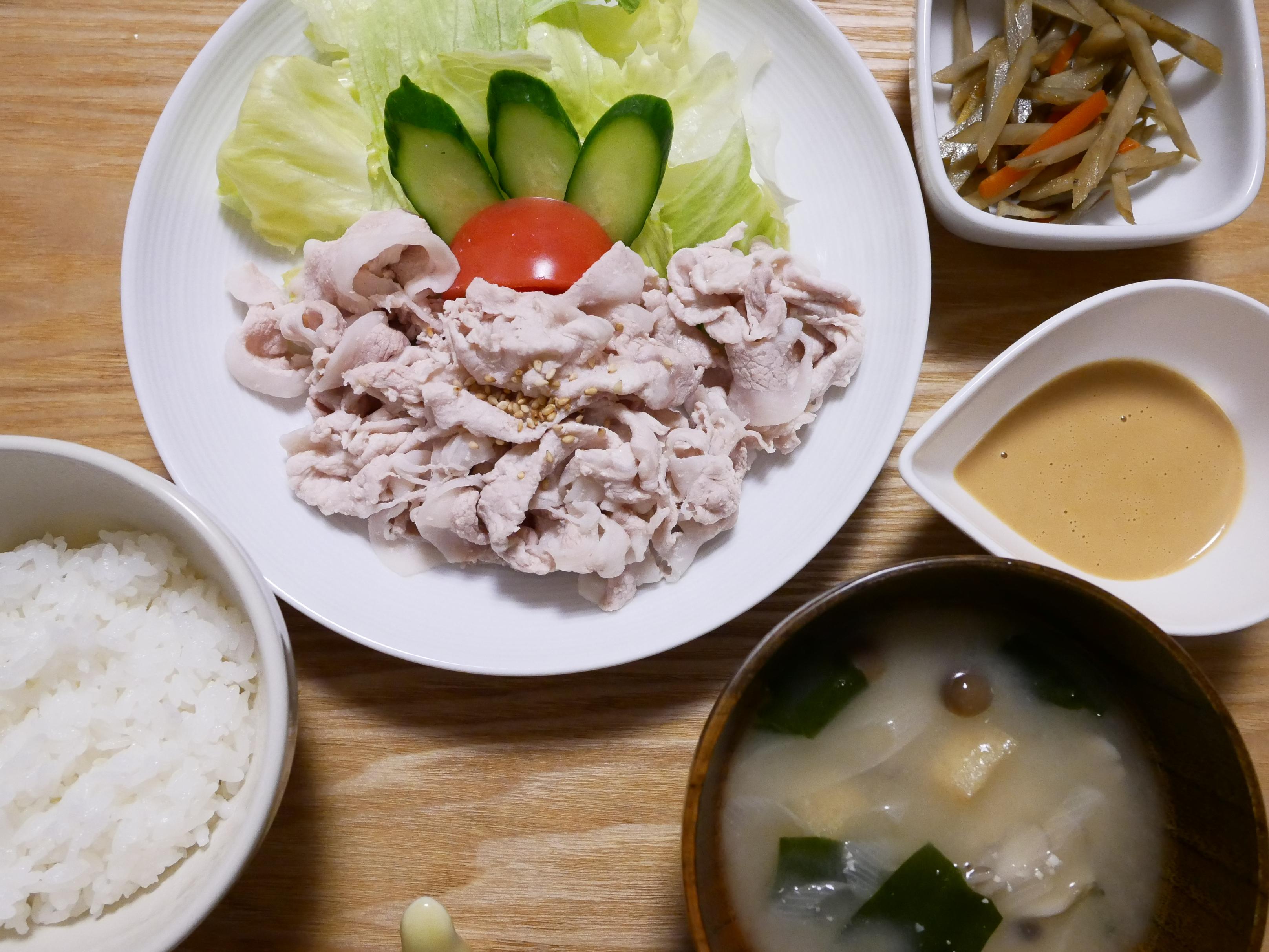 豚冷しゃぶが主菜の食事