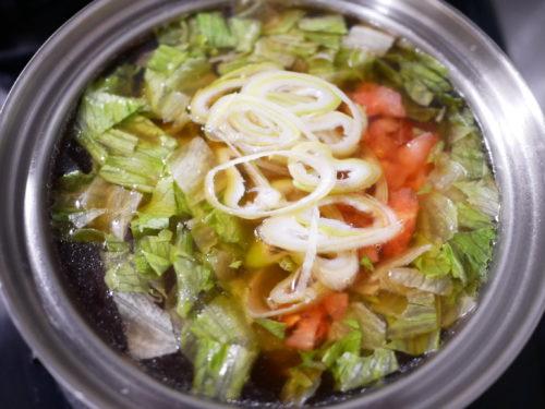 レタスサラダスープの鍋